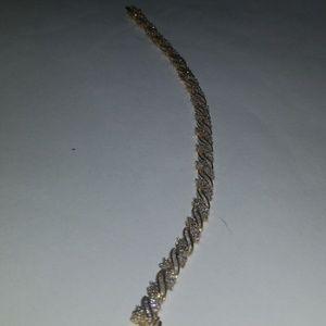 Diamond Cluster Bracelet 5 ct. t.w.in 10k Gold